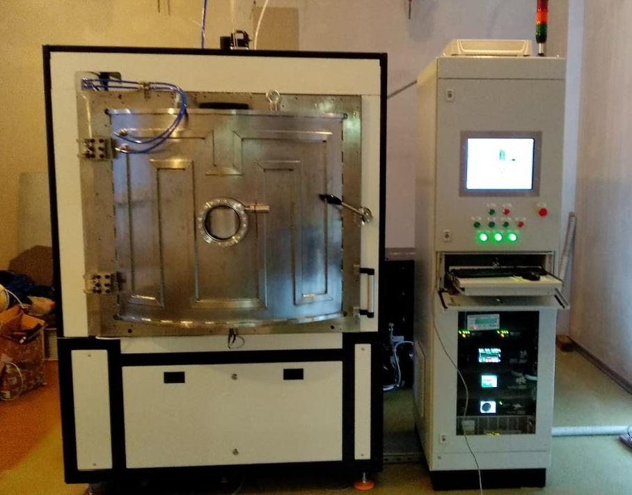 Вакуумная установка для нанесения покрытий на оптические изделия